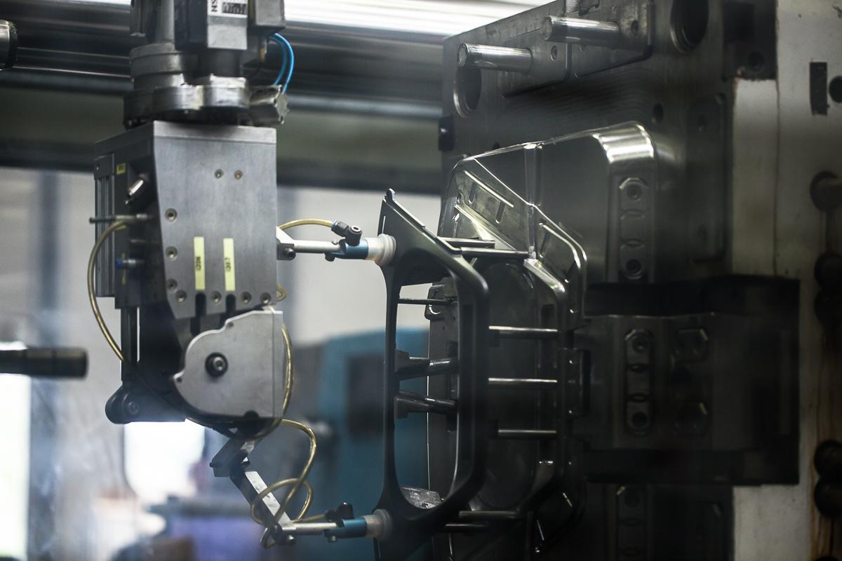 Stampaggio Materie Plastiche Conto Terzi a Reggio Emilia - Ferrari Rolo Plast